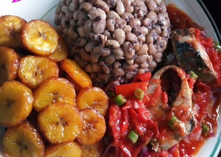Beans,fried plantain with egg sauce