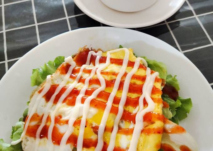Roti + telur + salad = sarapan paling simple, cepat, sedap