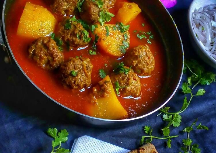 Gushtaba (meat balls)