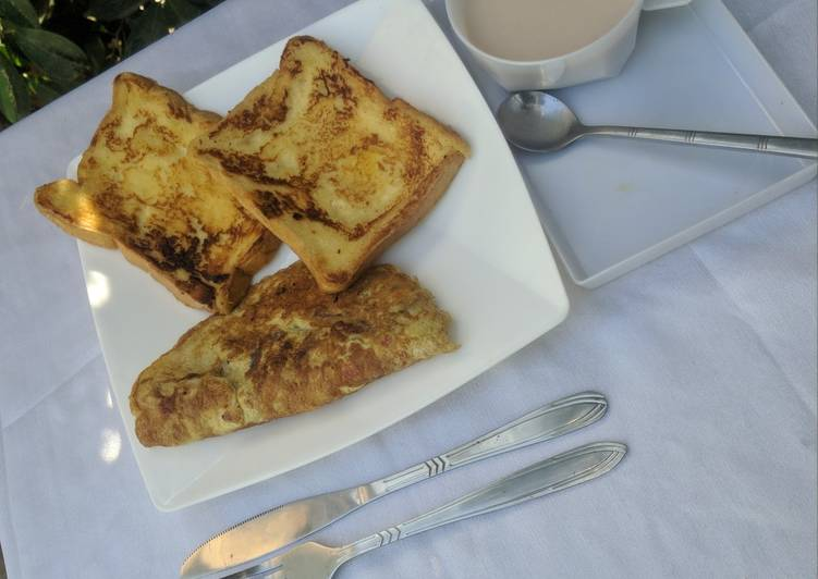French toast, omelette and tea