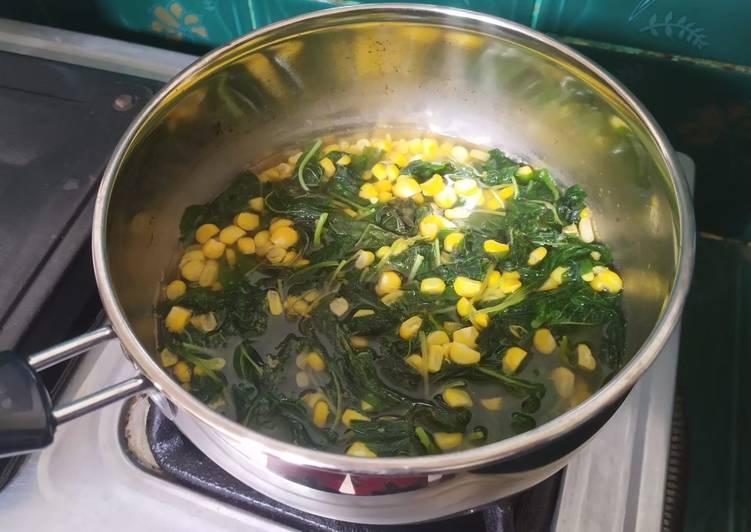 32. Sup bayam bening jagung
