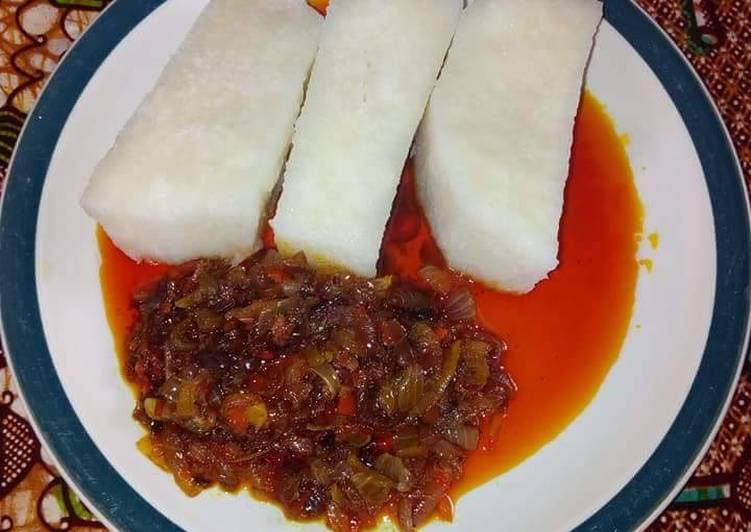 Boiled Yam With Palmoil Sauce Recipe By Chiommy Cookpad