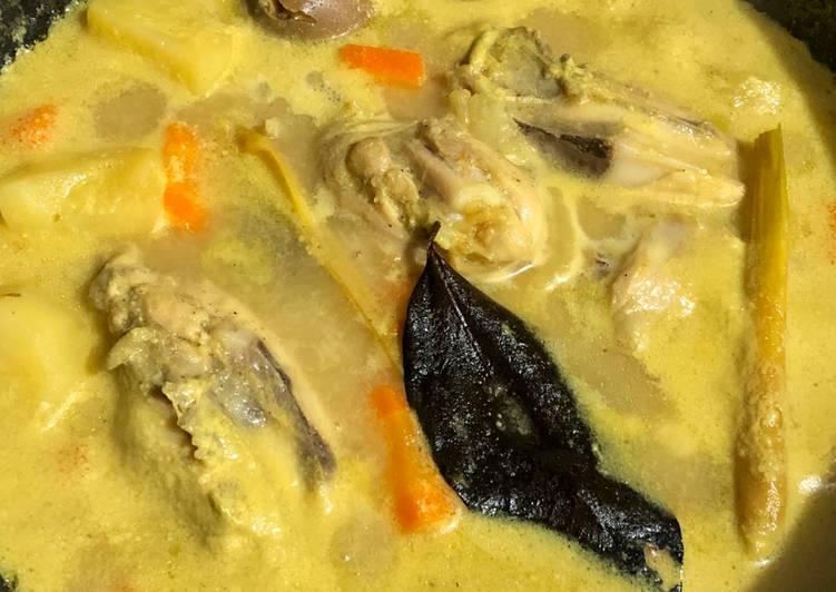 Kari ayam (dengan santan diet)