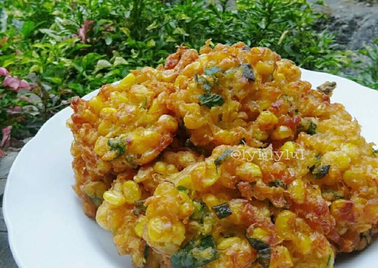 bakwan jagung crispy foto resep utama Resep Indonesia CaraBiasa.com