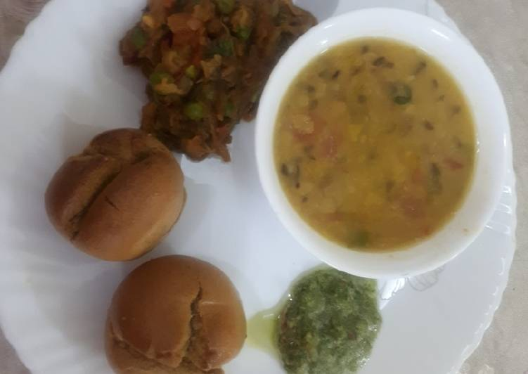 Winter Special Daal Baati with Binjal Bharta and Chatney, Some Foods That Benefit Your Heart