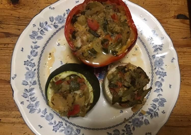 Recette Délicieux Poivrons courgettes et navets farcis aux légumes