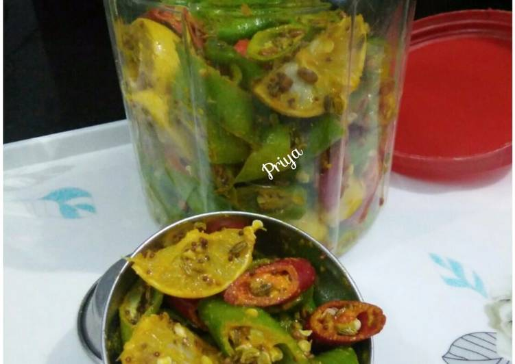 Recipe of Perfect Lemon Chilli Pickle