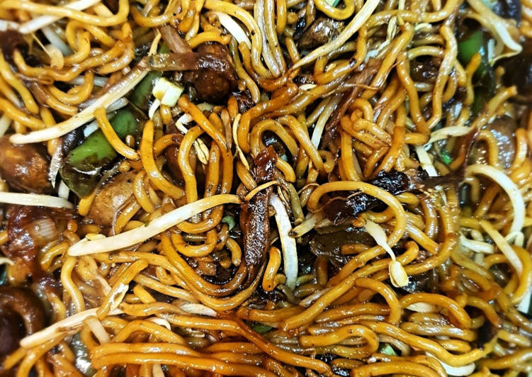 Authentic Vegetable Chow Mein