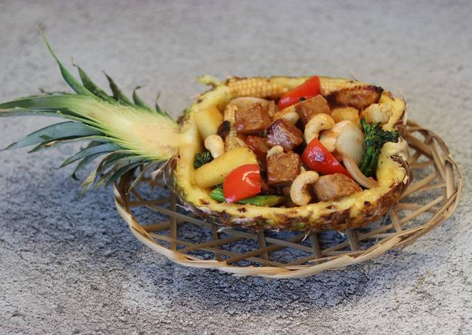 Recipe of Favorite Sweet and sour vegetable, pineapple with tempeh 🍍
