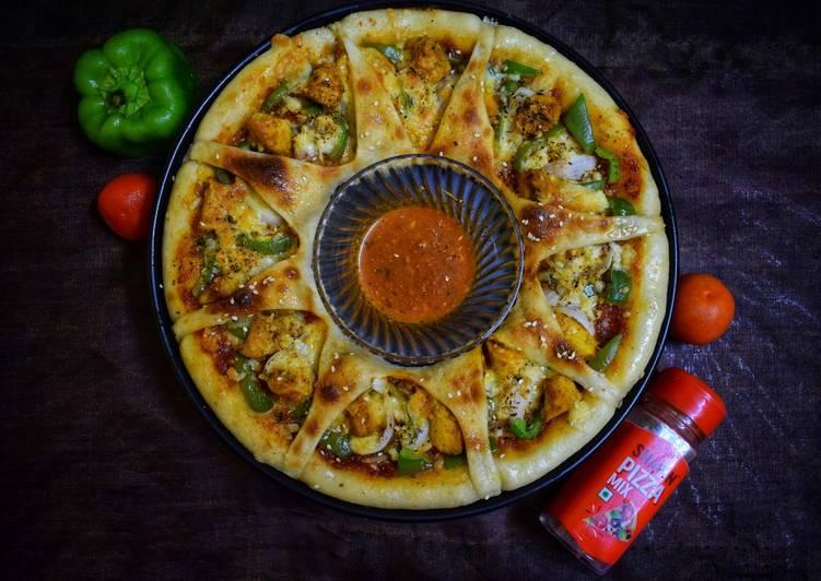 Chicken tikka ring pizza