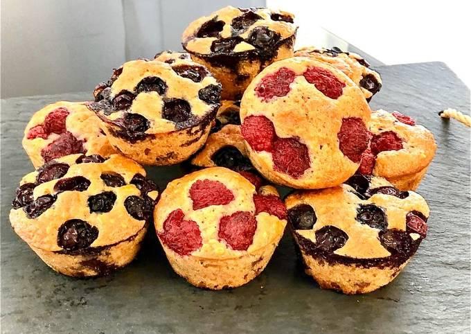 Muffins aux flocons d'avoine et framboises ou myrtilles