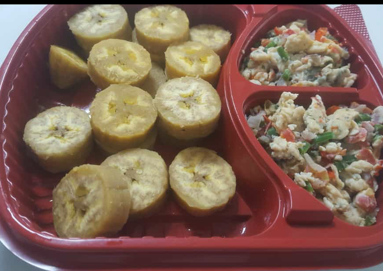 Boiled unripe plantain with egg sauce