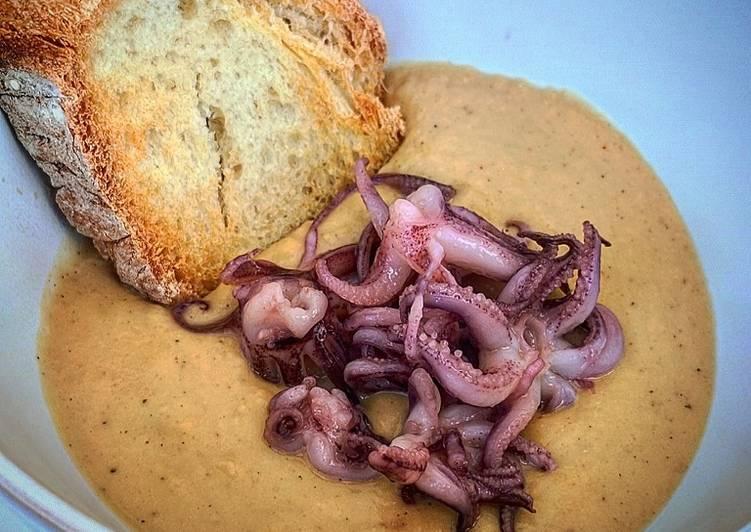 Ricetta Calamari su crema di ceci