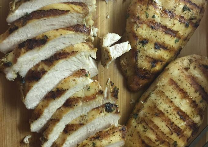 Electric grill grilled chicken... Moist