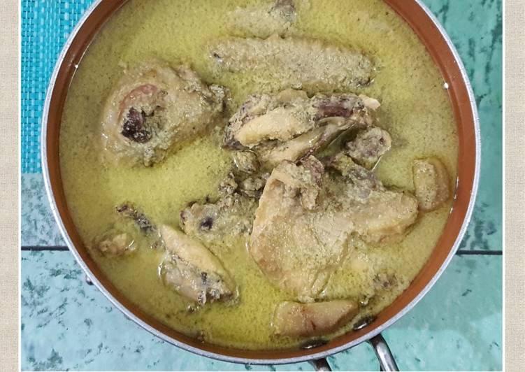 Opor Ayam Kampung