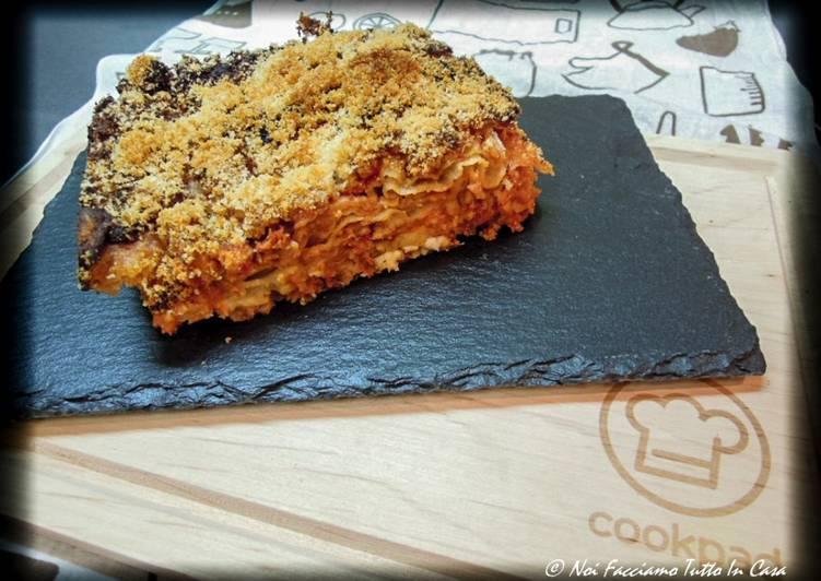 Recipe: Delicious Lasagne di pane carasau con ragù di pollo e crescenza di capra