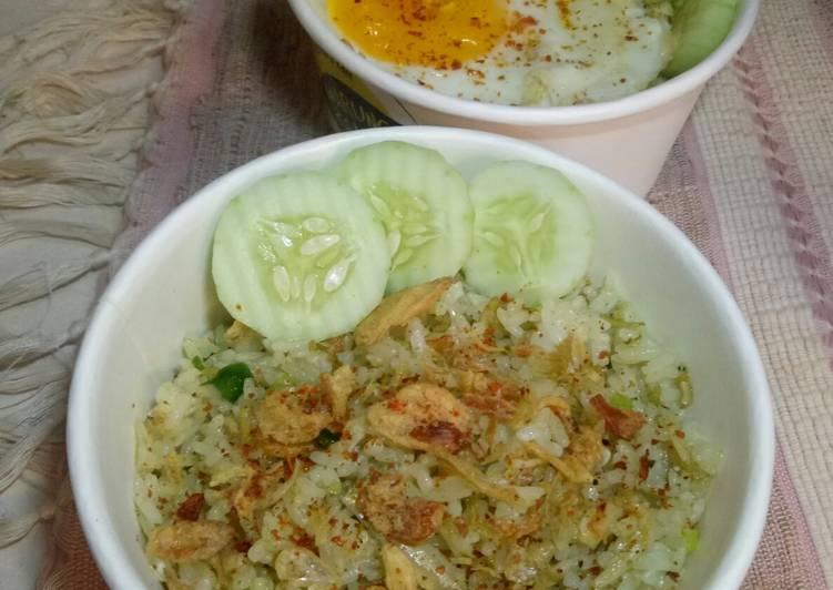 91. Nasi goreng hijau teri nasi