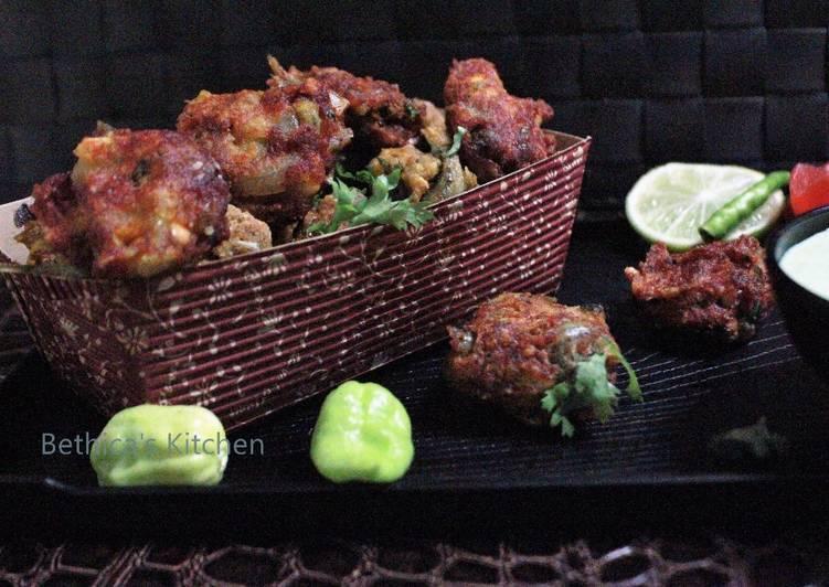 Morola Macher Bora (Small Fish Pakora / Fritters - Bengali Style)