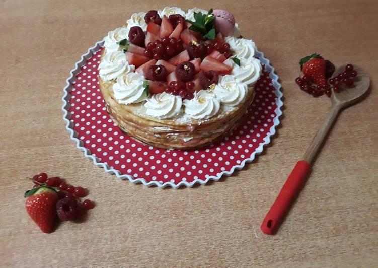 Gâteau de crêpes aux fraises