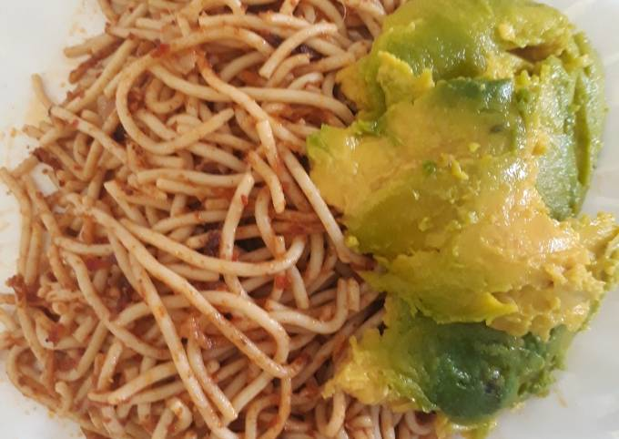 Spagetti with avacado