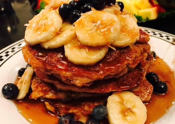 Blueberry & Banana Oatmeal Pancakes