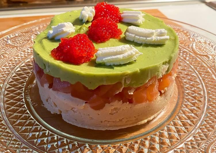 Ricetta Torta di hummus, salmone crudo, crema di avocado e uova di lompo