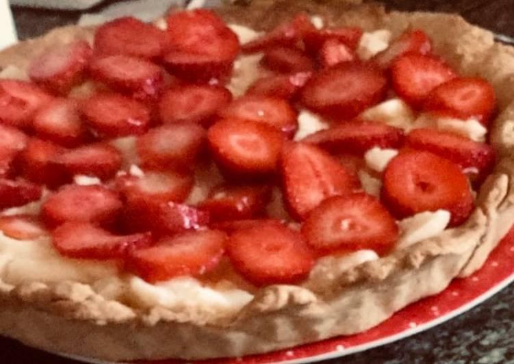 Tarta de fresas con crema pastelera