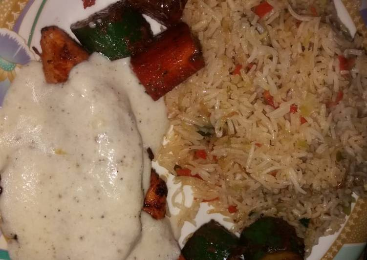Easiest Way to Prepare Ultimate Grilled chicken with tarragon sauce served with fried rice