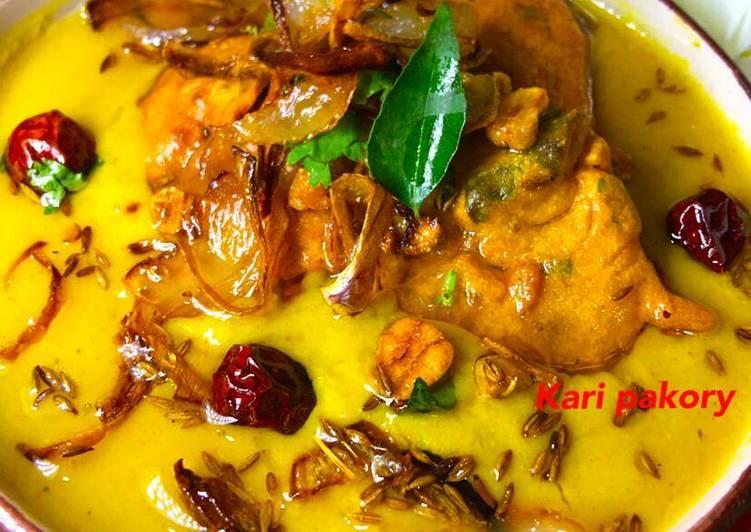 Curry pakoray