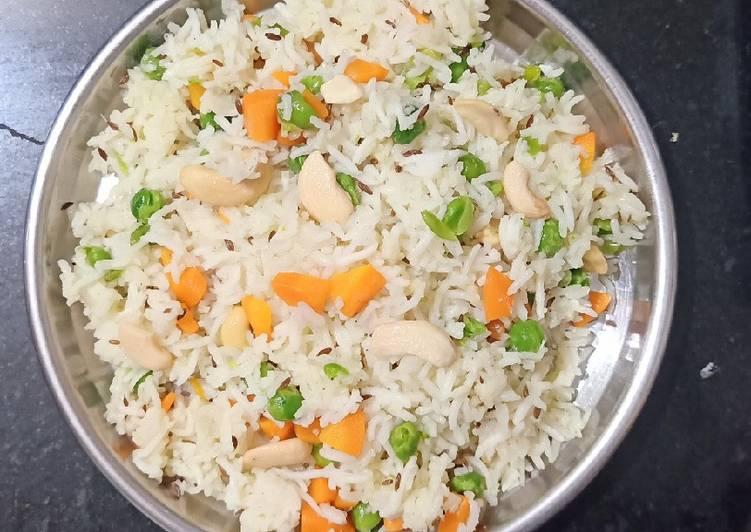 Simple Way to Prepare Quick Carrot Peas Pulao