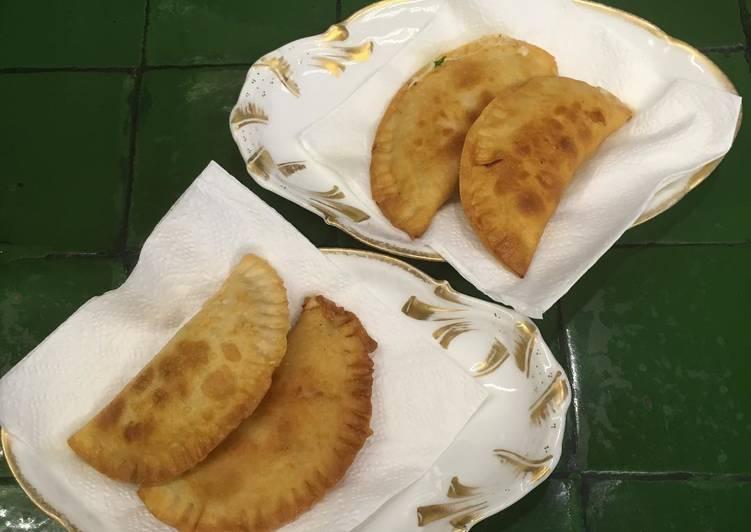 Empanadas Caprese ©