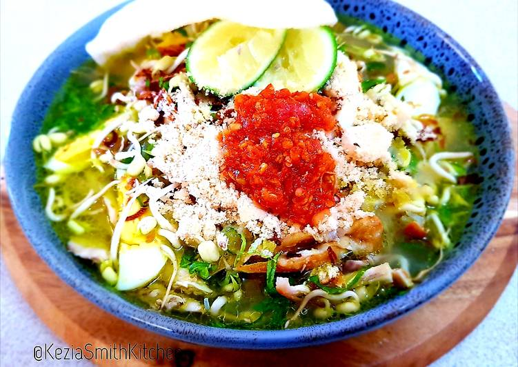 Get Breakfast of Soto ayam (chicken and bean sprouts soup)