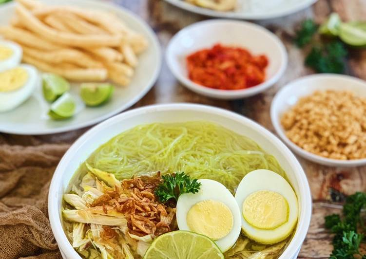 Recipe: Delicious Soto Ayam (Indonesian Yellow Chicken Soup)
