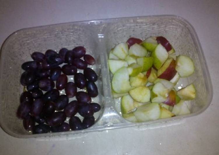 Simple Way to Make Most Popular Green and red apples with berry