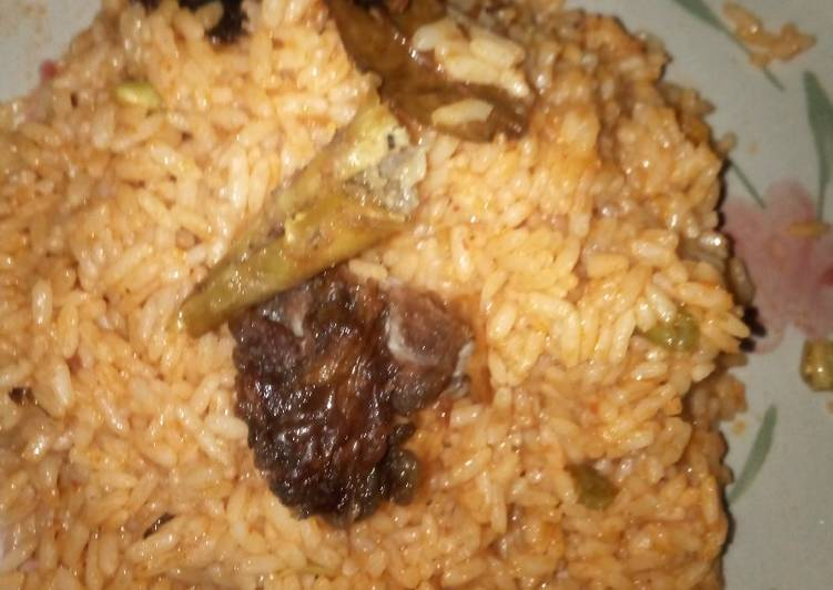 How to Make HOT Jollof rice and fried meat