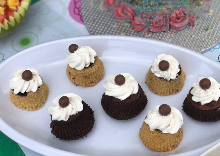 Cookie upside down cupcakes