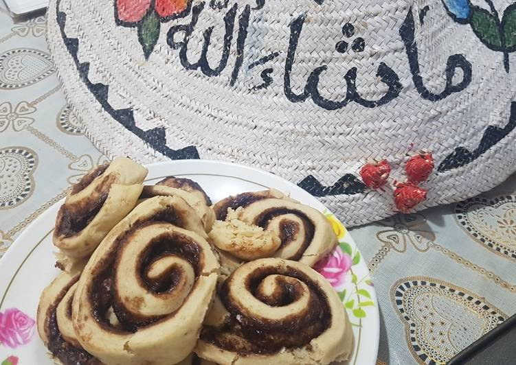 30 Minute Recipe of Refreshing Chocolate and cinnamon swirls