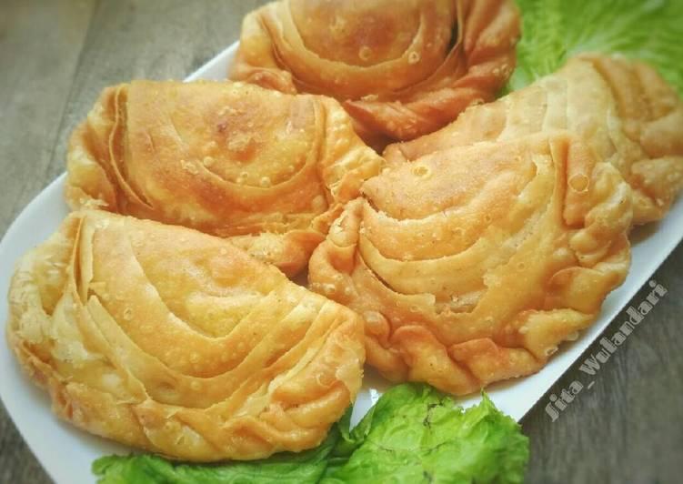 Karipap Pusing/Curry Puff/Pastel Singapur