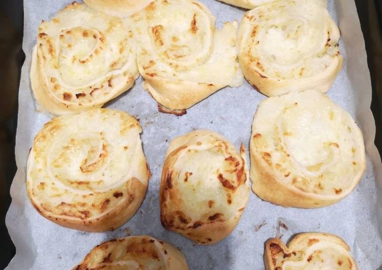 recette Roulés de pomme de terre mozzarella et gruyère 🧀 Le plus simple