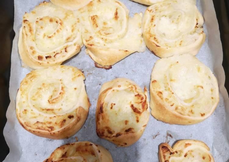 Comment Préparer Les Roulés de pomme de terre mozzarella et gruyère 🧀
