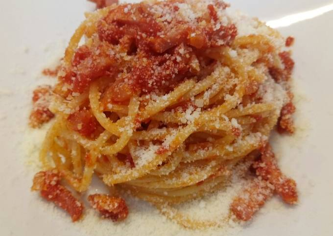 Amatriciana with Tuscan pancetta