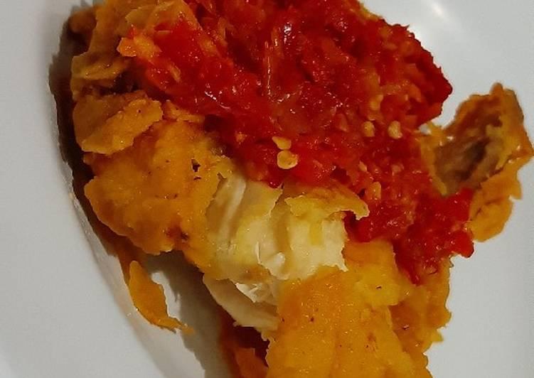 29. Ayam geprek sambalado