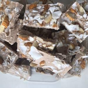 Keto - Bombones de crema de avellana y crema coco