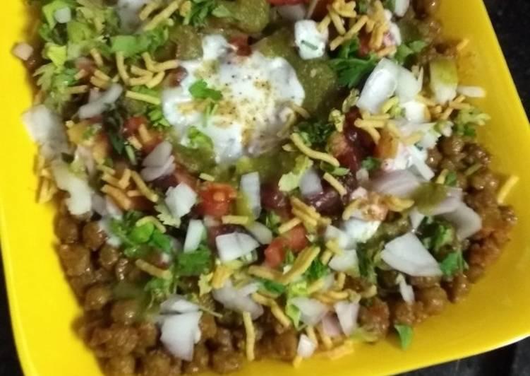 Masala Chana Whole Gram Dahi Curd Chat