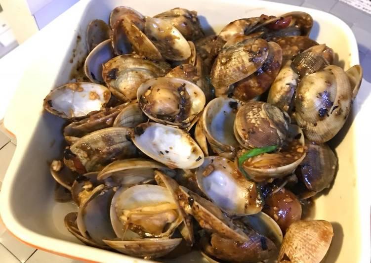 豉椒炒蜆 (Stir fried clams with blank beans sauce)