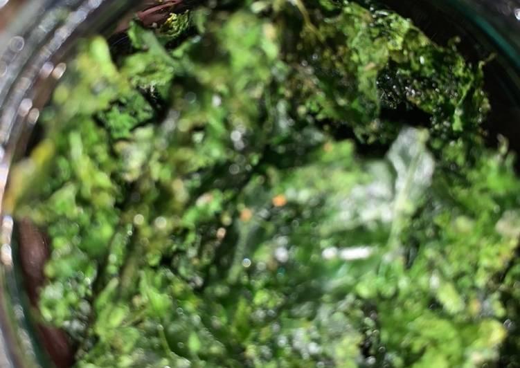 Kale chips / camilan sehat / camilan sayur