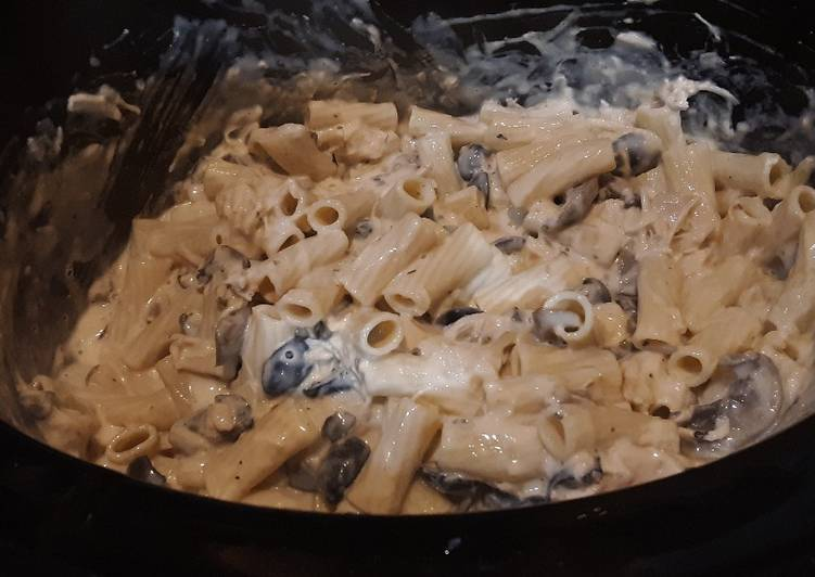 Believing These 10 Myths About Crockpot Chicken Alfredo