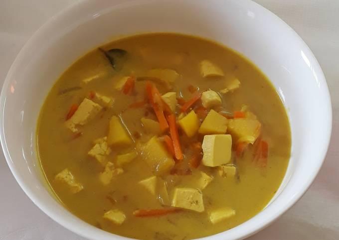 Bagaimana Membuat Sayur lodeh (wortel kentang tahu) yang Bikin Ngiler