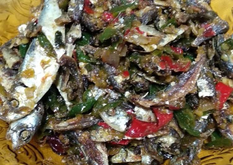 Cara Gampang Menyiapkan Sambal ikan asin rebus, Menggugah Selera