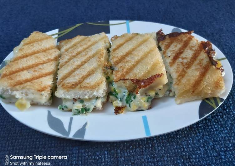 Easiest Way to Make Speedy Grilled spinach and corn sandwich